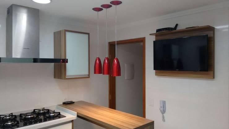 Residencia na vila Guilherme: Cozinhas  por Total Planejados,Moderno MDF