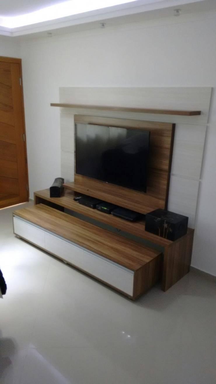 Sala: Salas de estar  por Total Planejados,Moderno MDF