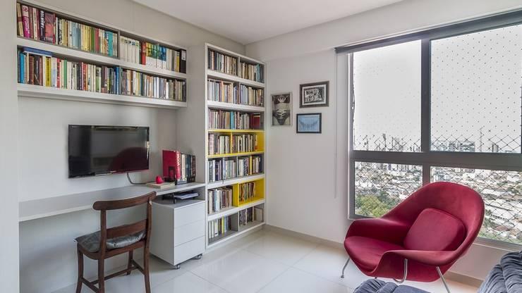 Residência T|R Escritórios modernos por VZ Arquitetas Moderno