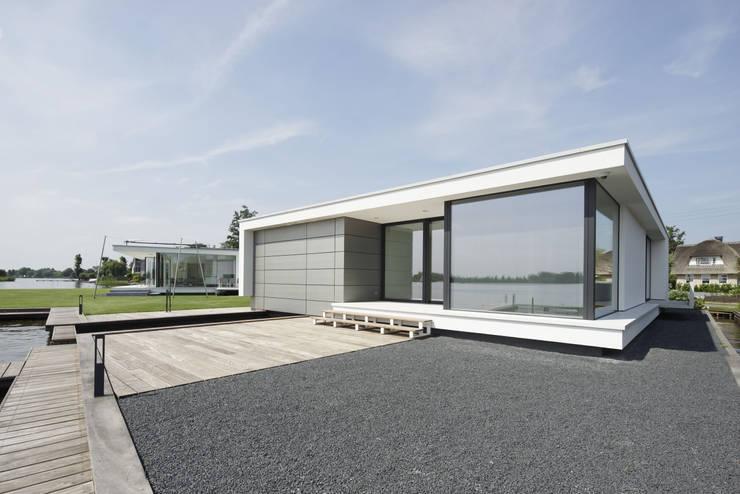 Gastenverblijf: moderne Huizen door Lab32 architecten