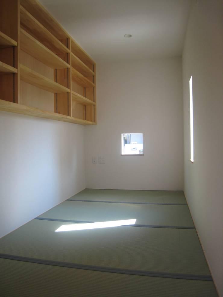 豊能町の家Ⅱ: 株式会社 atelier waonが手掛けた書斎です。