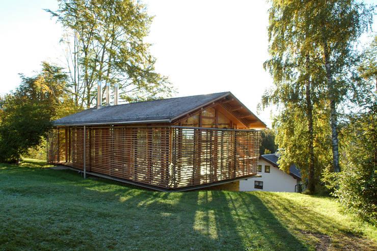 EFH in Oberbayern: landhausstil Häuser von em Architekten GmbH