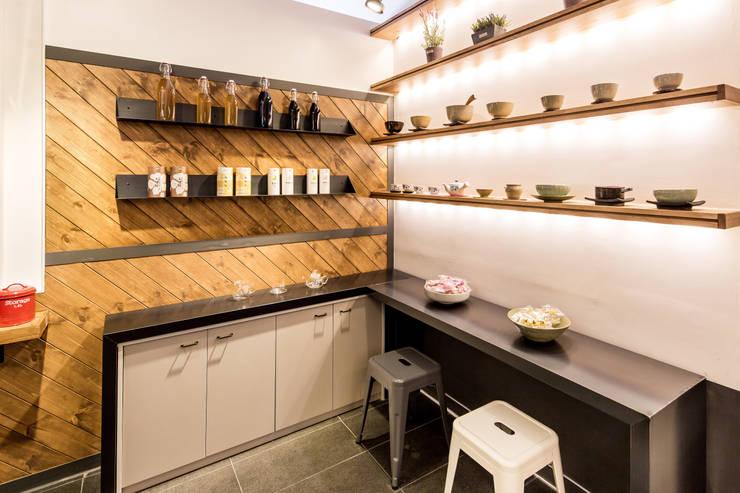 카페 차담소 ( CAFE CHADAMSO ) : 마이네임이즈존의  레스토랑,