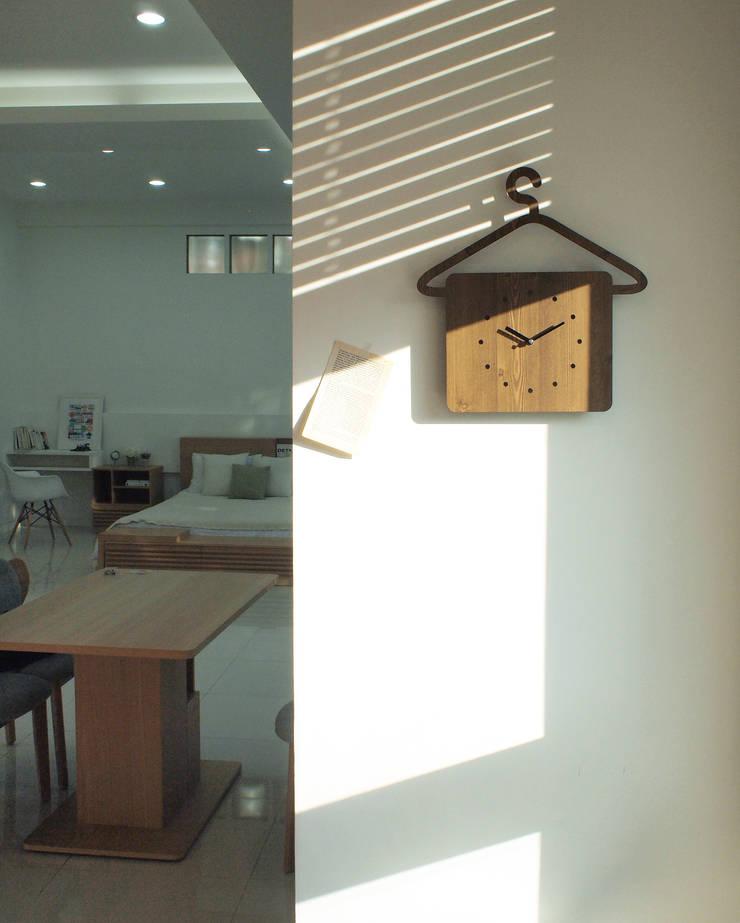 행거클락 [hanger clock] & 더뉴쿡타임 시계: unminuto의  가정 용품