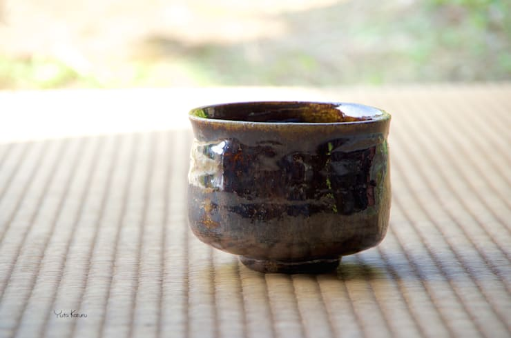 抹茶碗: 庚申窯-Koshin-kiln-が手掛けたダイニングルームです。