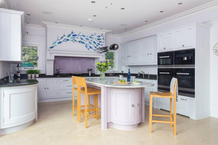 Esher Kitchen:  Kitchen by Lewis Alderson
