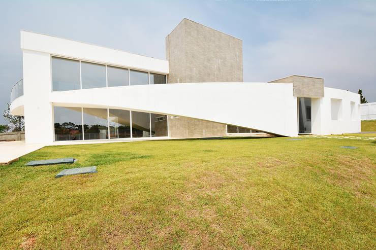 Casa CA: Casas  por Arquitetura 1