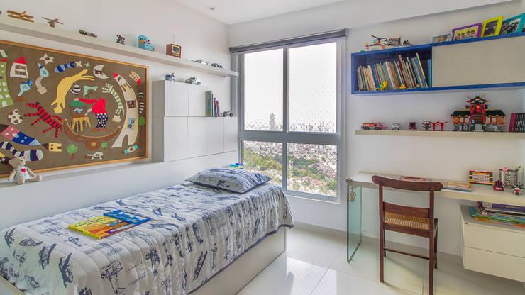 modern Nursery/kid's room by Lyssandro Silveira