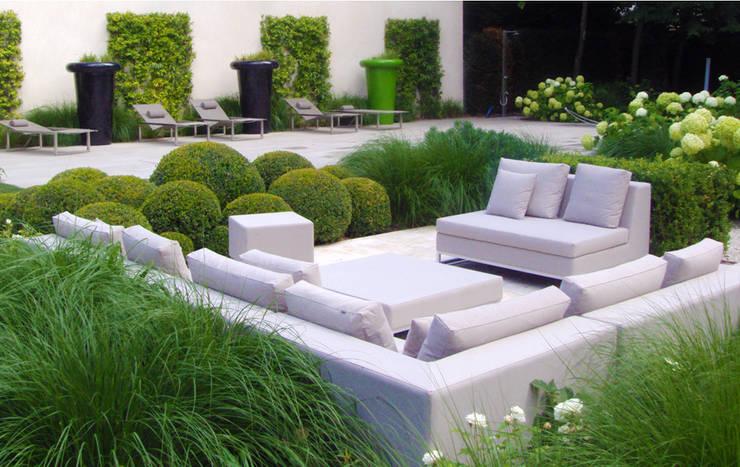 Die Schaffung eines klaren und funktionellen Wohnbereichs:  Garten von Paul Marie Creation