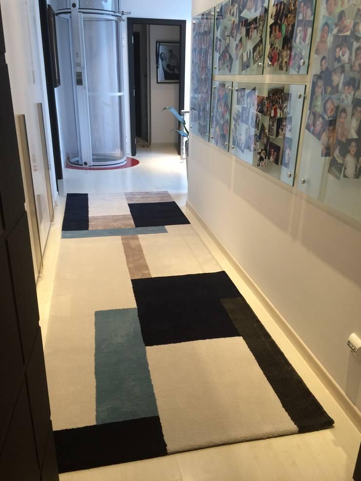 Galeria / Corredor: Corredores e halls de entrada  por Laura Picoli,