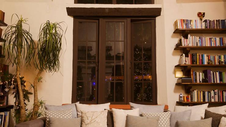 Antes de adornar la ventana para Navidad:  de estilo  por MARIANGEL COGHLAN