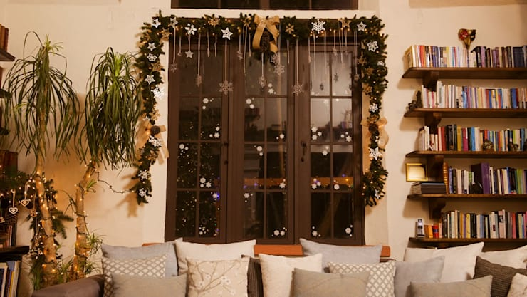 Después de adornar la venta de Navidad. de MARIANGEL COGHLAN
