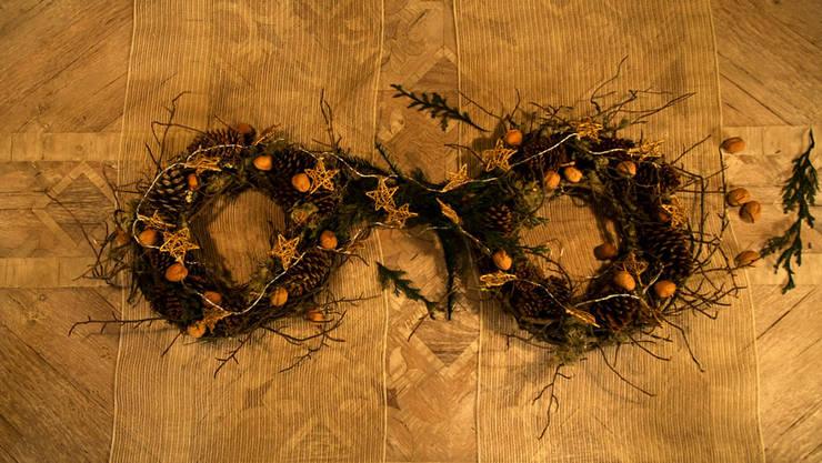 Iniciando con el centro de mesa navideño.:  de estilo  por MARIANGEL COGHLAN