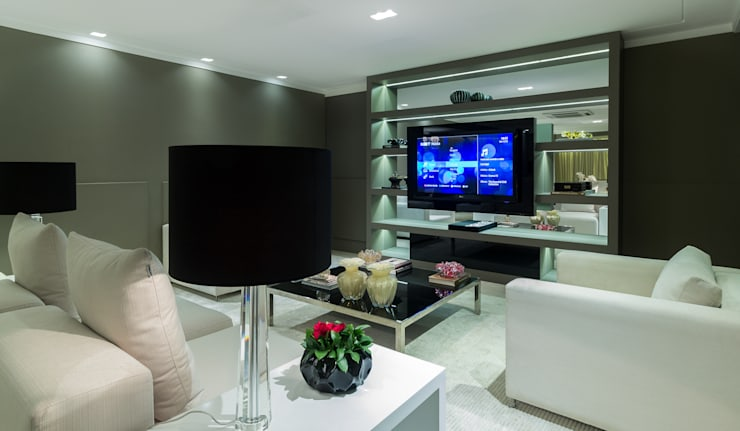 Residência DD: Salas de multimídia  por Valdete Duarte