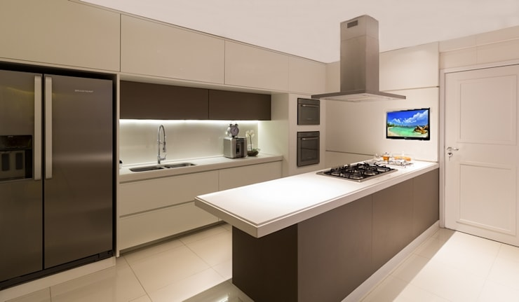 Residência DD: Cozinha  por Valdete Duarte