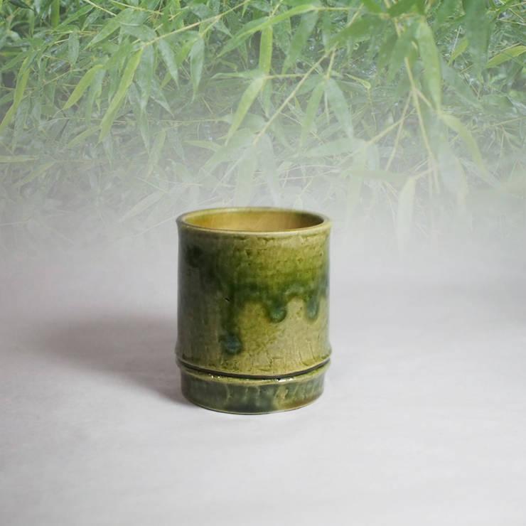 Bamboo Motif series  Cups: 愚陶庵が手掛けたキッチンです。