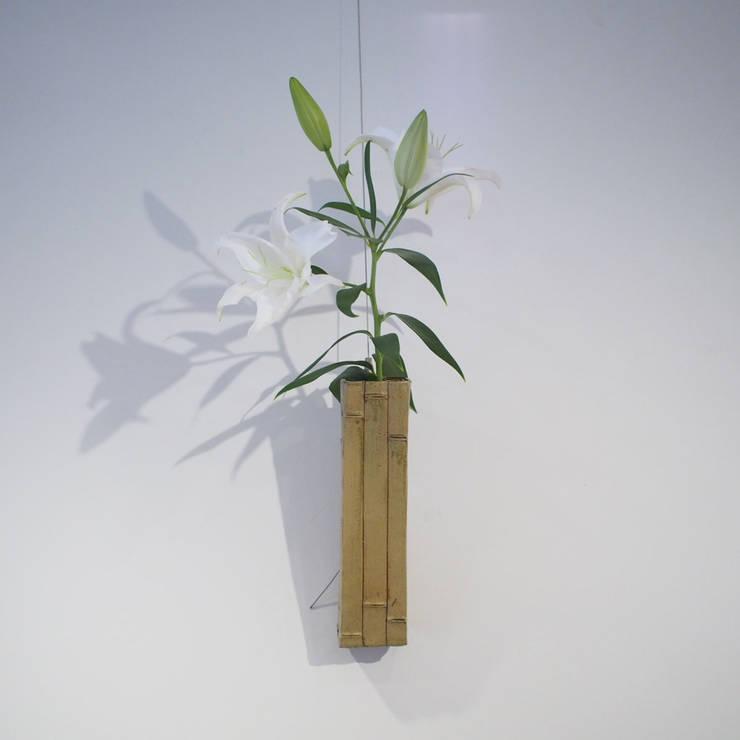 Bamboo Motif series  Flower vases: 愚陶庵が手掛けた壁&床です。