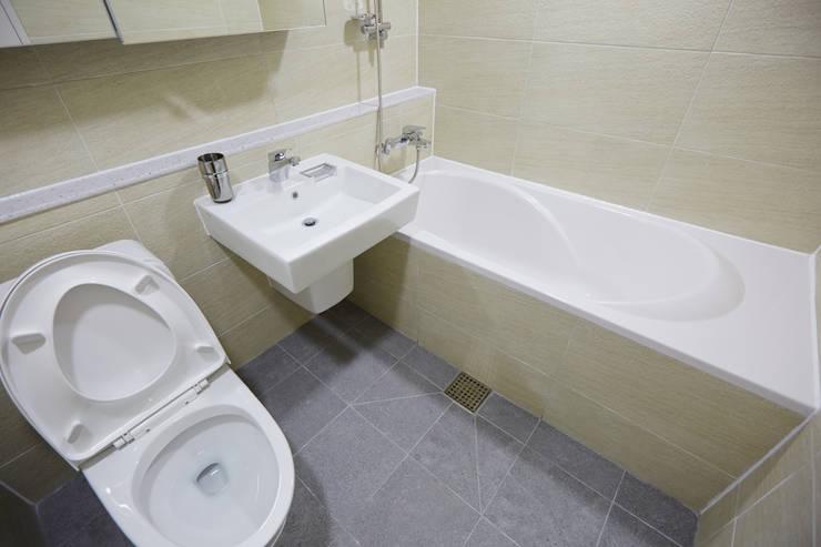 마북동 LG 자이아파트 리모델링 (Before & After): DESIGNSTUDIO LIM_디자인스튜디오 림의  욕실