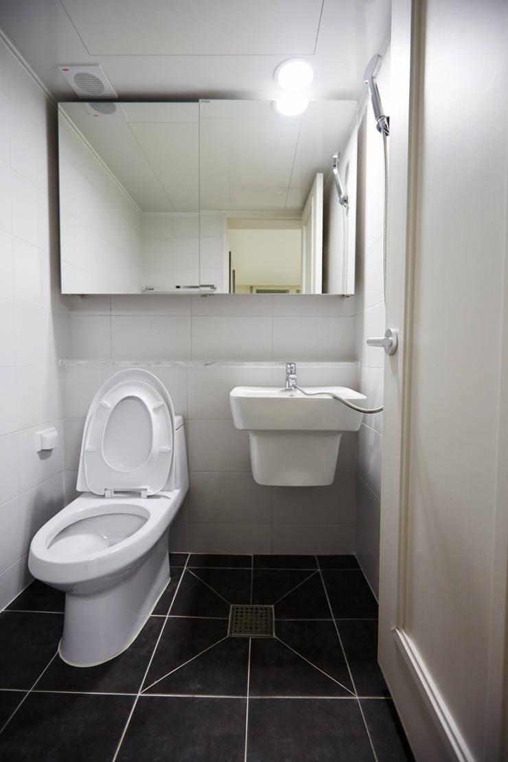 미아동 SK 북한산 시티 아파트 리모델링 (Before & After): DESIGNSTUDIO LIM_디자인스튜디오 림의  욕실