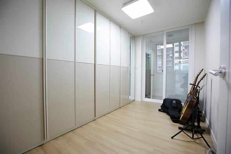 사당동 현대아파트 리모델링 : DESIGNSTUDIO LIM_디자인스튜디오 림의  침실