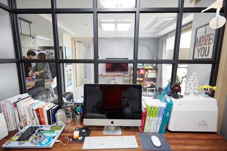 Study/office by DESIGNSTUDIO LIM_디자인스튜디오 림