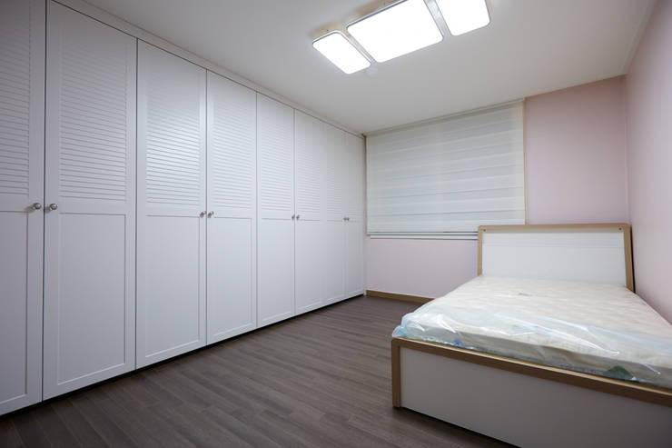 DESIGNSTUDIO LIM_디자인스튜디오 림が手掛けた寝室