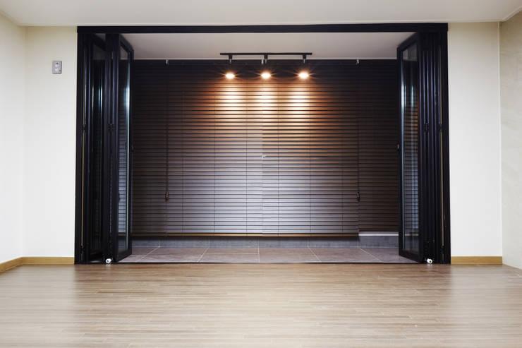 안양 목련마을 8단지 리모델링 (Before & After) : DESIGNSTUDIO LIM_디자인스튜디오 림의  거실