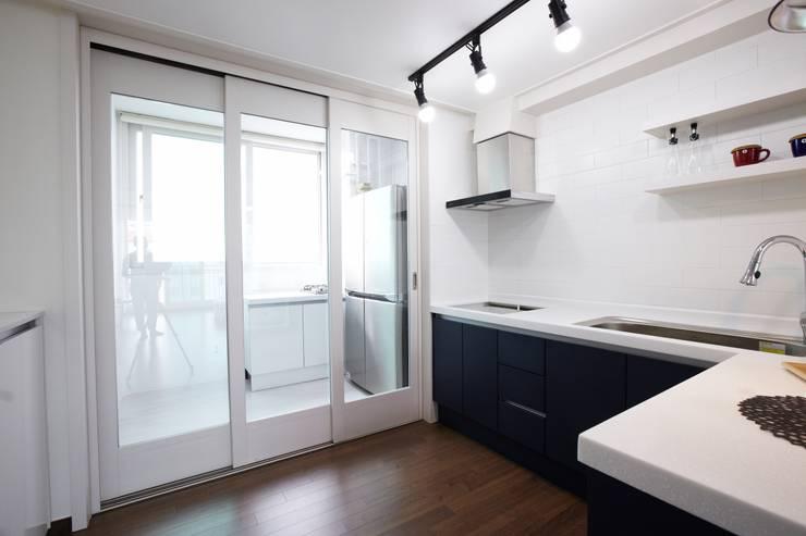 죽전 한양수자인아파트 리모델링 : DESIGNSTUDIO LIM_디자인스튜디오 림의  주방