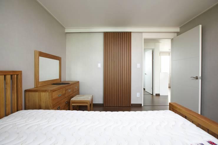 moderne Slaapkamer door DESIGNSTUDIO LIM_디자인스튜디오 림