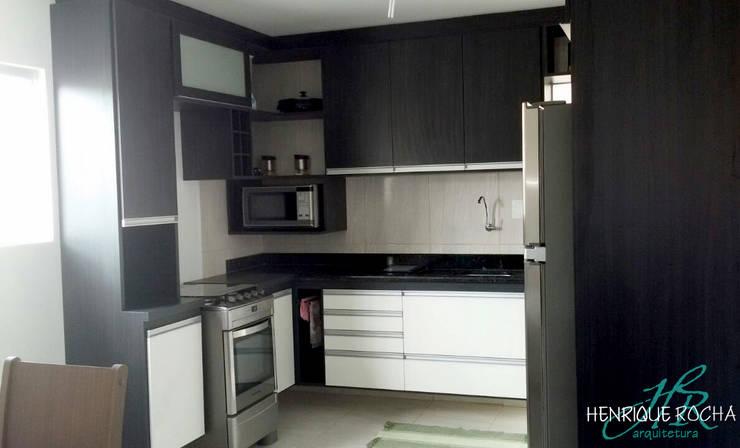 Cozinha - depois: Cozinhas  por Henrique Rocha Arquitetura