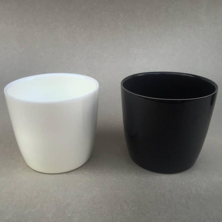 フリーカップ: 3rd ceramics (サードセラミックス)が手掛けたダイニングルームです。