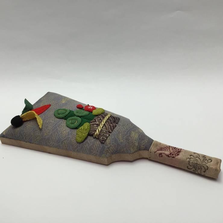 押し絵 ミニ羽子板 門松とつき羽根: 古裂工房 うさぎが手掛けたクラシックです。,クラシック 絹 黄色