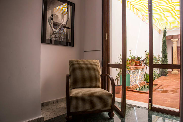 Salas de estilo  por R22 ARQUITECTES. Pere Joan Pons