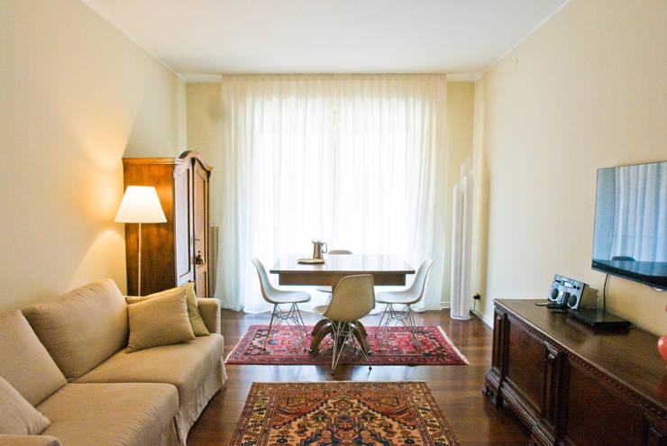 غرفة المعيشة تنفيذ cristina mecatti interior design