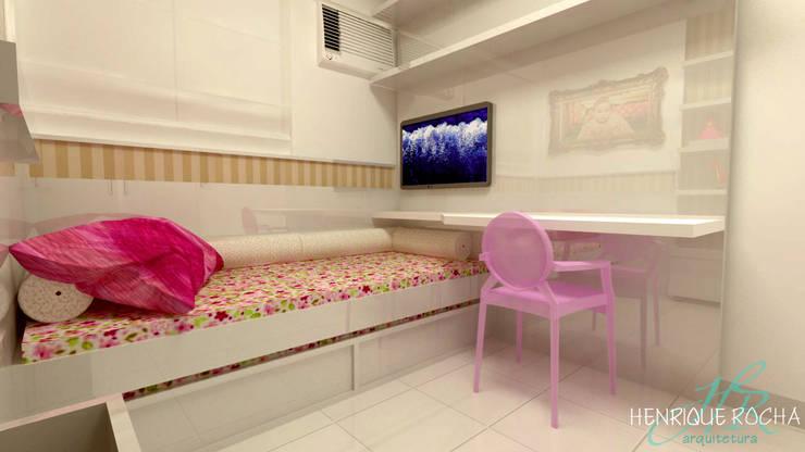 Quarto da filha: Quarto infantil  por Henrique Rocha Arquitetura,Moderno MDF