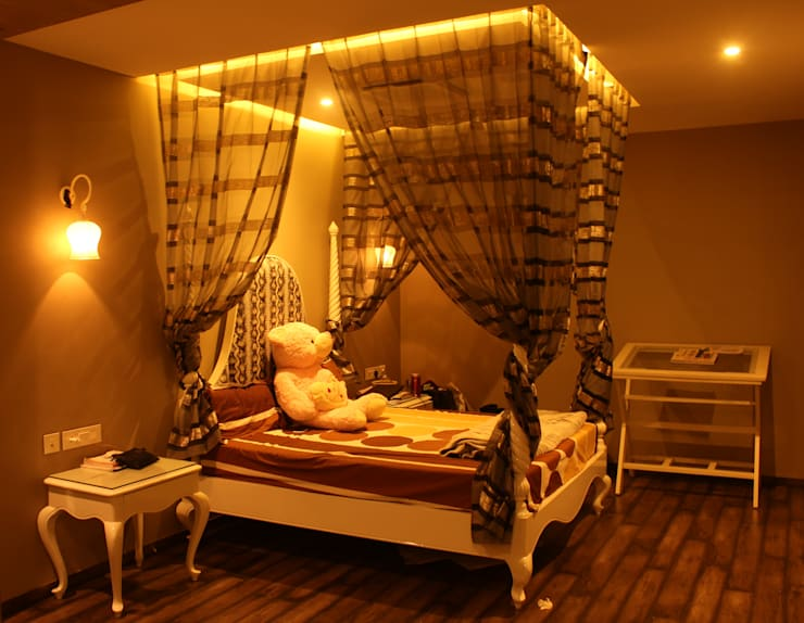 Saraswat's House:  Bedroom by Design Square