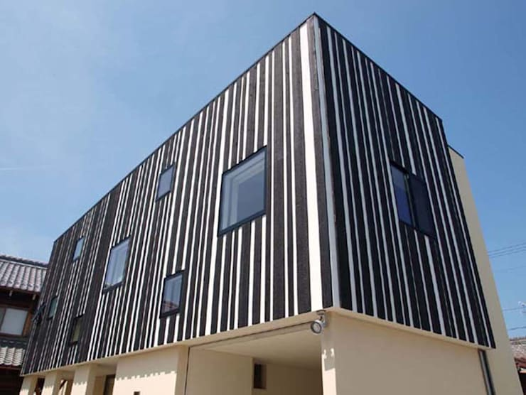 境内に建つ家: Egawa Architectural Studioが手掛けた家です。,