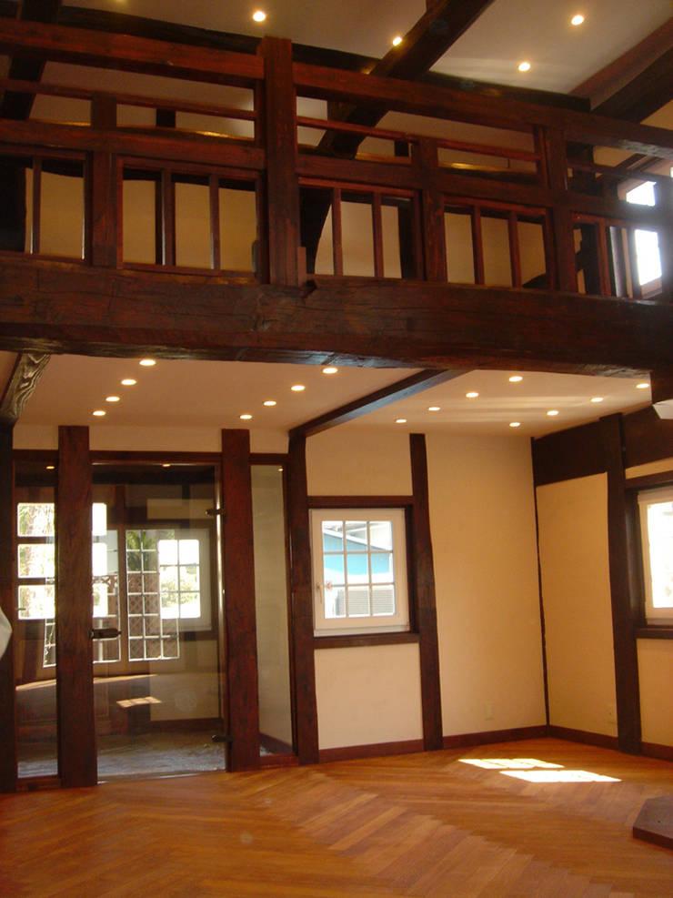 Interior: カールベンクスアンドアソシエイト(有) Karl Bengs and Associates, Ltd.が手掛けたです。