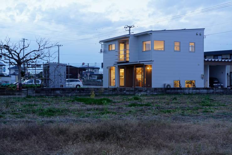 さくらんぼ駅前の家: 大類真光建築設計事務所が手掛けた家です。