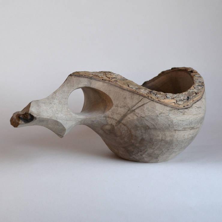 カキノキ(ナチュラルエッジ)のカップ: atelier dehorsが手掛けたキッチンです。,