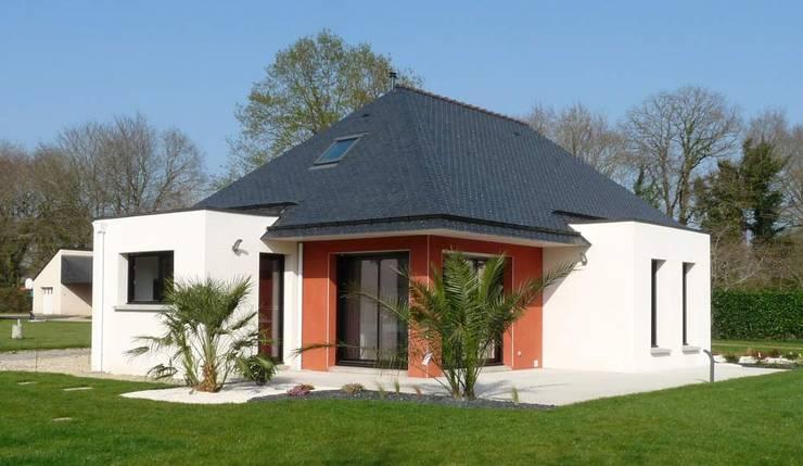 Maison neuve BBC: Maisons de style  par BERNIER ARCHITECTE