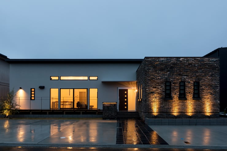 N邸新築: 株式会社 鳴尾工務店が手掛けた家です。,北欧 レンガ