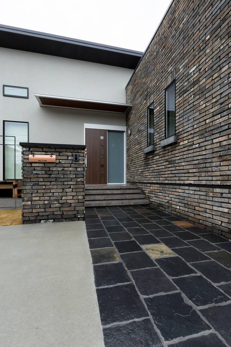 N邸新築: 株式会社 鳴尾工務店が手掛けた家です。,北欧