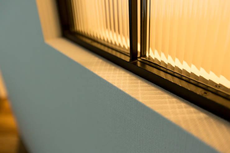 N邸新築: 株式会社 鳴尾工務店が手掛けた窓です。