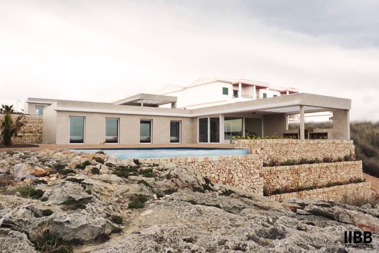 PROYECTO 1: Casas de estilo moderno de iibbarquitectes