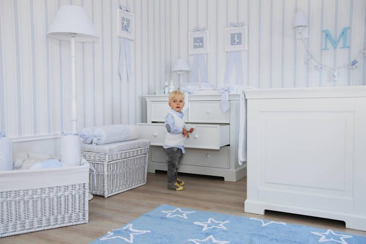 Meble: styl , w kategorii Pokój dziecięcy zaprojektowany przez Caramella