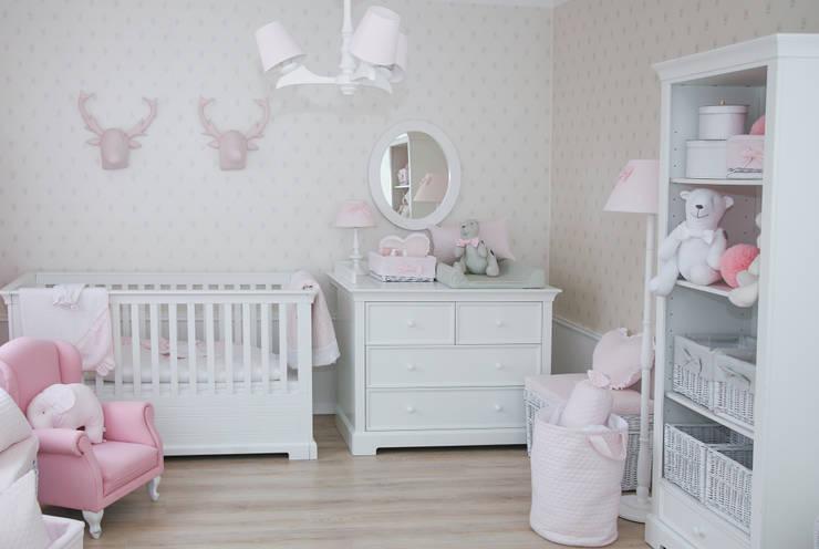 Pojemniki: styl , w kategorii Pokój dziecięcy zaprojektowany przez Caramella
