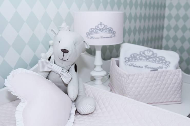 Przechowywanie - jakie to proste!: styl , w kategorii Pokój dziecięcy zaprojektowany przez Caramella