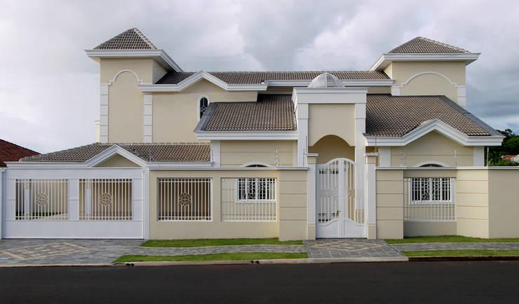 Rumah by Luciano Esteves Arquitetura e Design