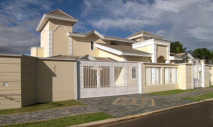 Residencia  Ribeirão Preto : Casas  por Luciano Esteves Arquitetura e Design